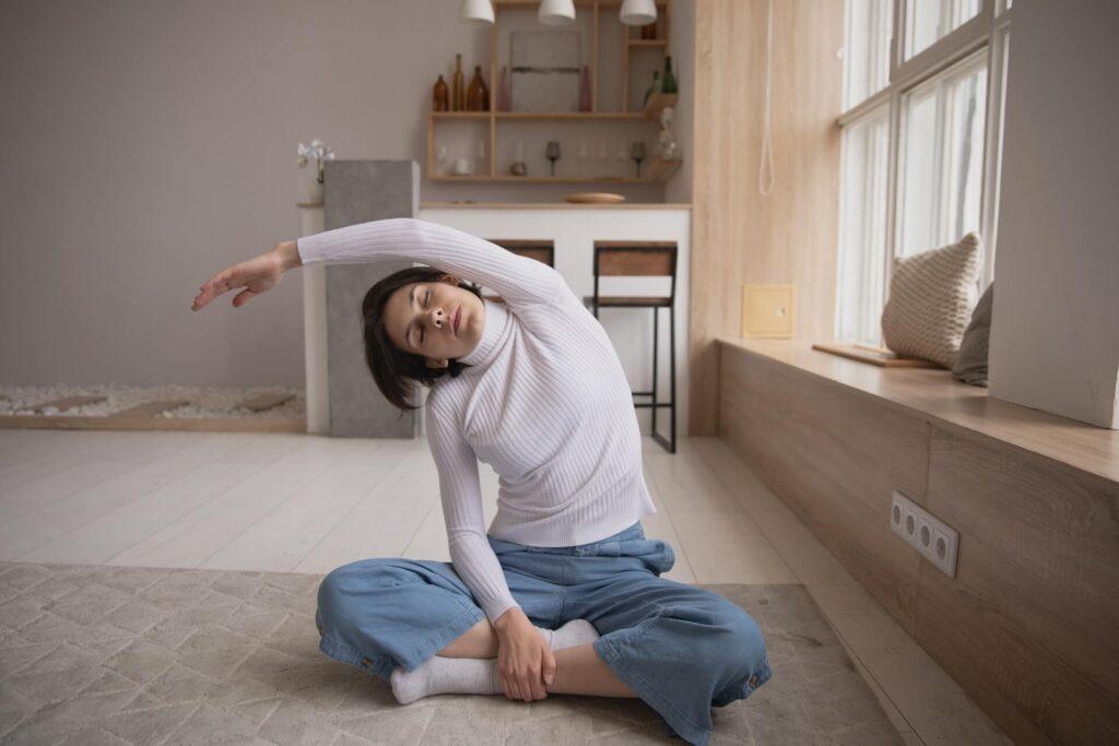 Trening w domu na odchudzanie - rozciąganie po treningu